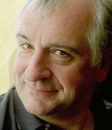 220px-Douglas_adams_portrait_cropped
